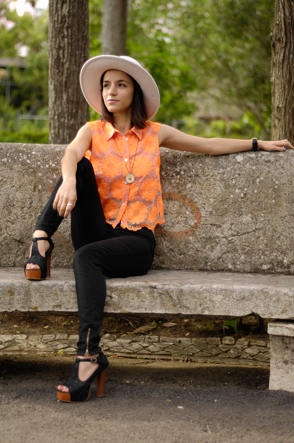 outfit_orange_r (1).png