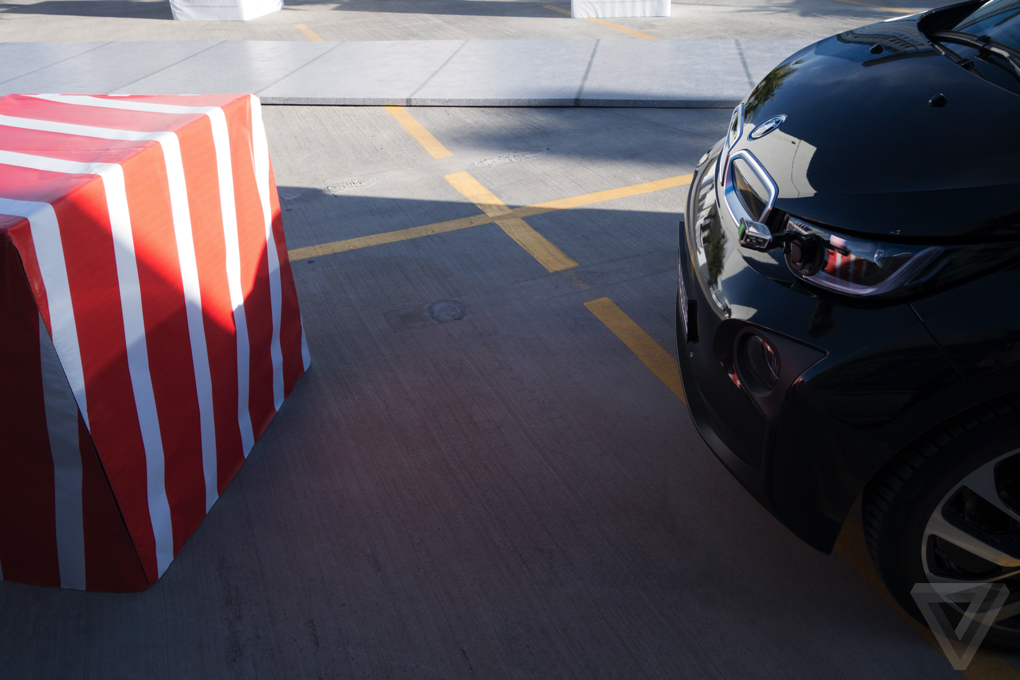 BMW i3 - Sistema anti-colisão