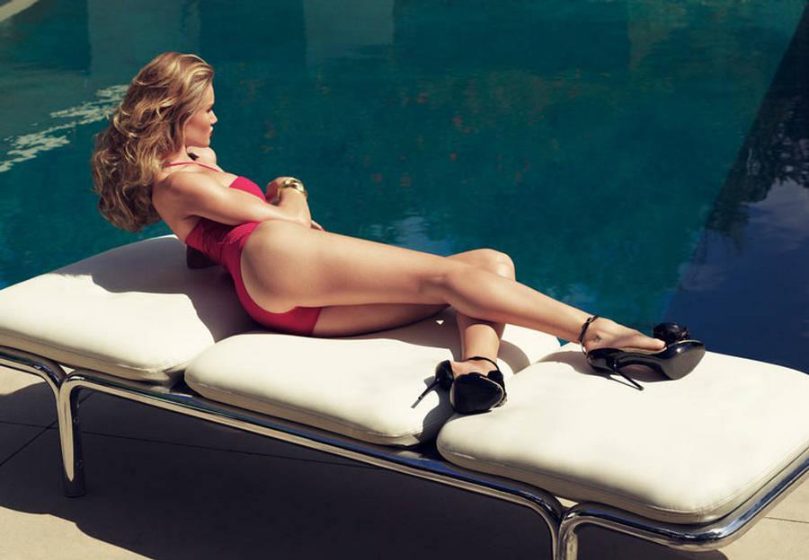 Rosie-Huntington-Whiteley-Harpers-Bazaar-UK-4.jpg
